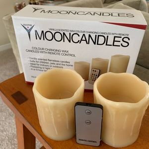 Mooncandles vanilla scented color changing. NWT